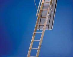 Treppe - Gutholz mit Wärmeschutz